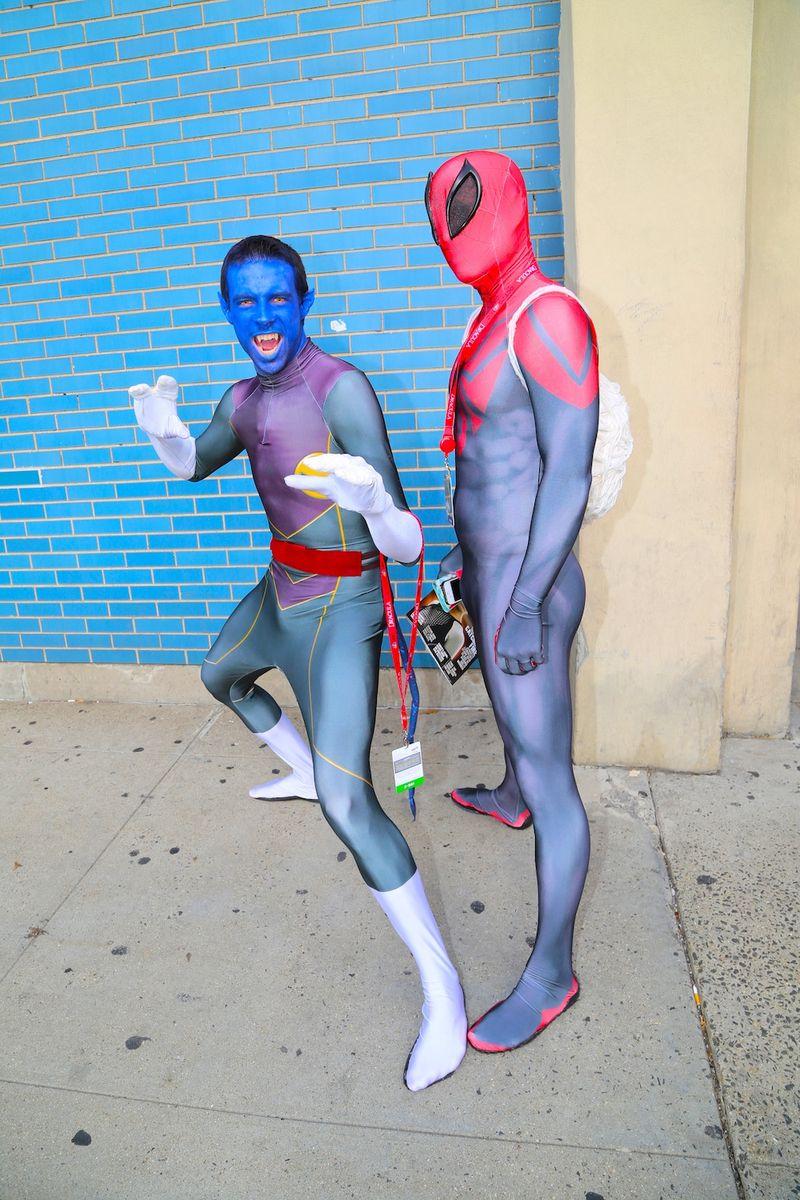 Superheroes sexy Comic Con