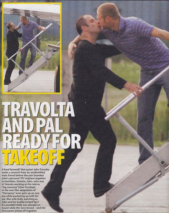 John-Travolta-gay-kiss