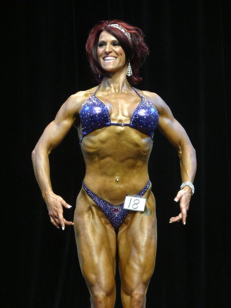 Female bodybuilder DSC00969