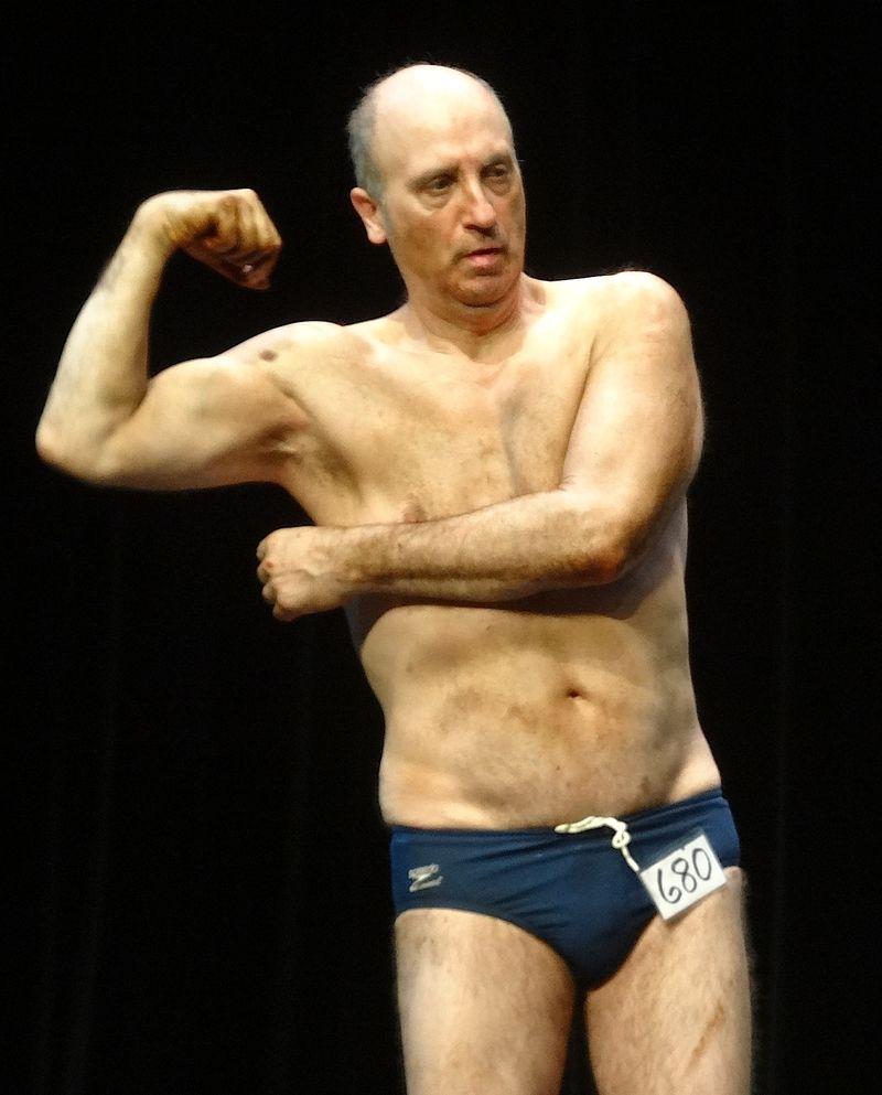Weird muscle guy DSC01936