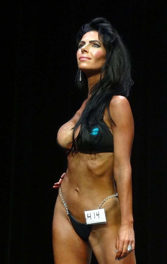 Female bodybuilder DSC01825