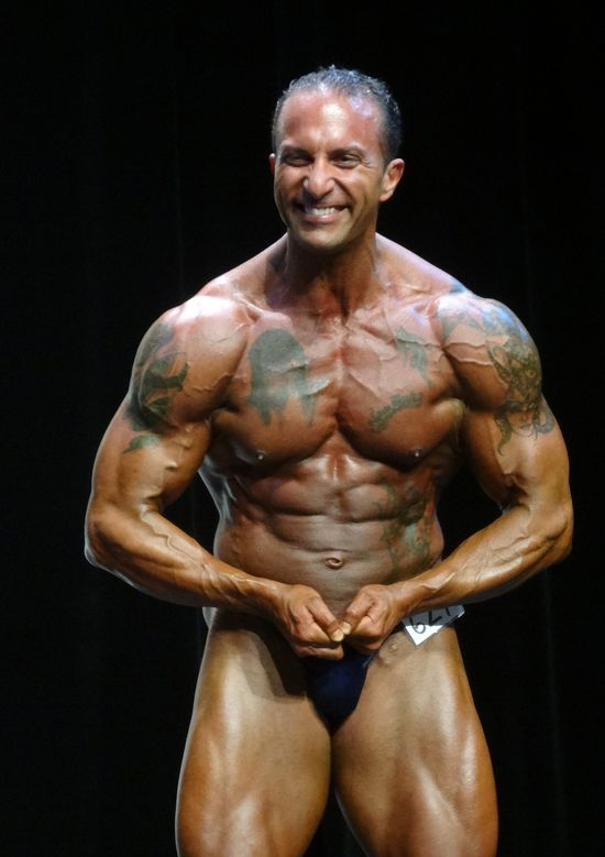 Massive bodybuilder DSC01984