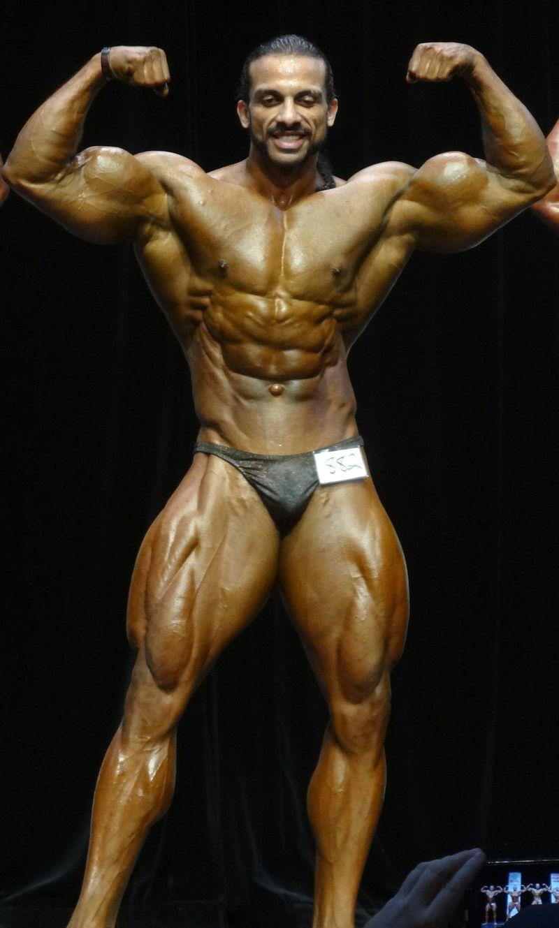 Massive bodybuilder DSC02099