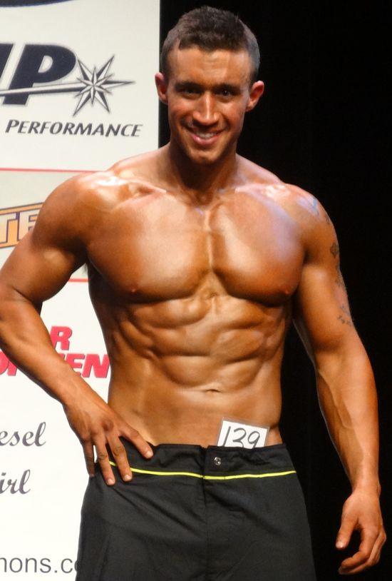 Hot face muscles body DSC01169