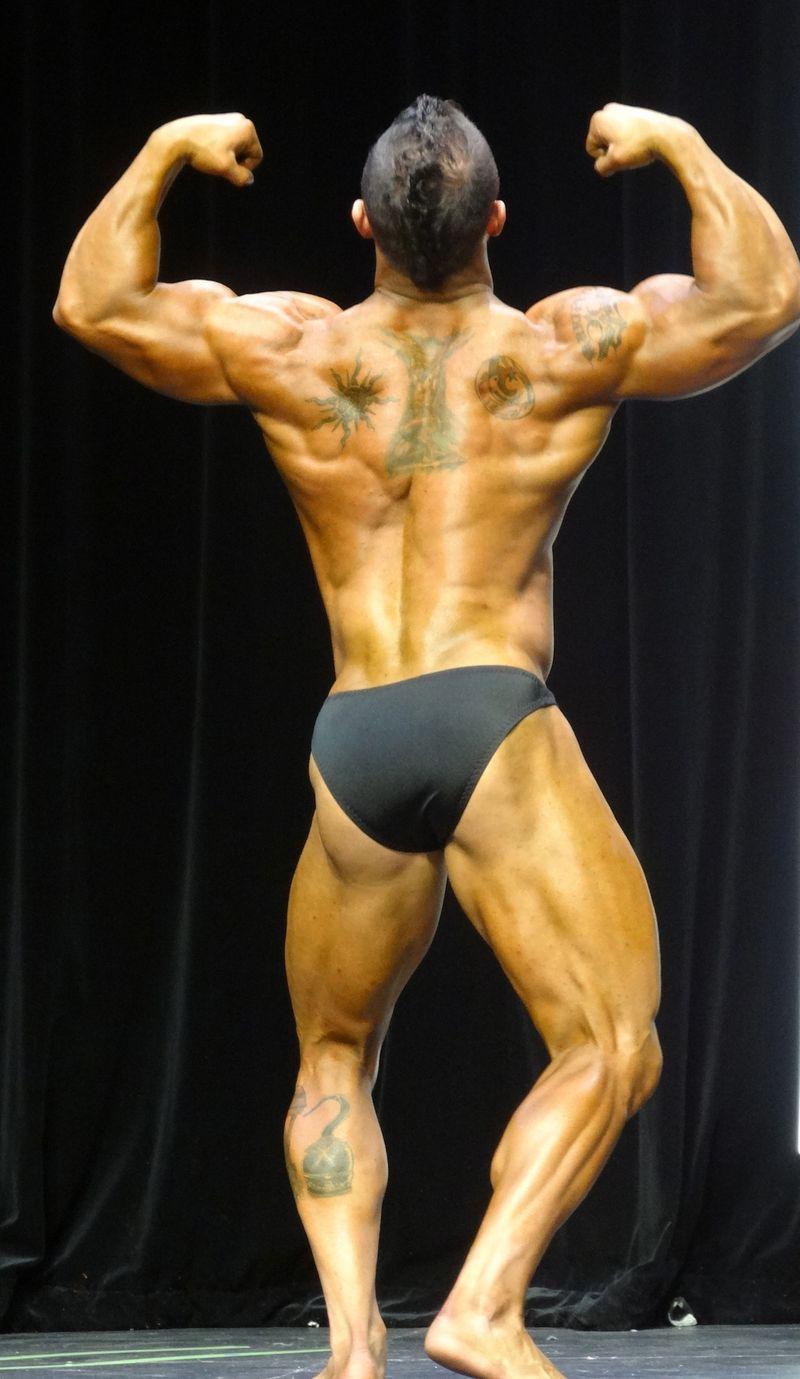 Massive bodybuilder DSC01968