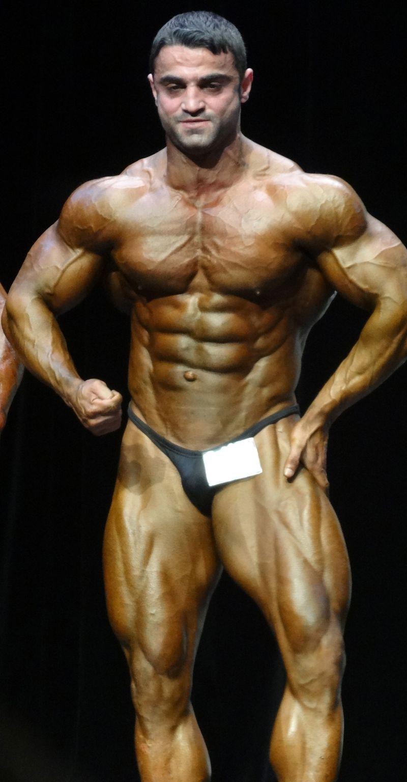 Massive bodybuilder DSC02090