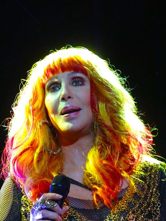 Cher-Pier-Dance