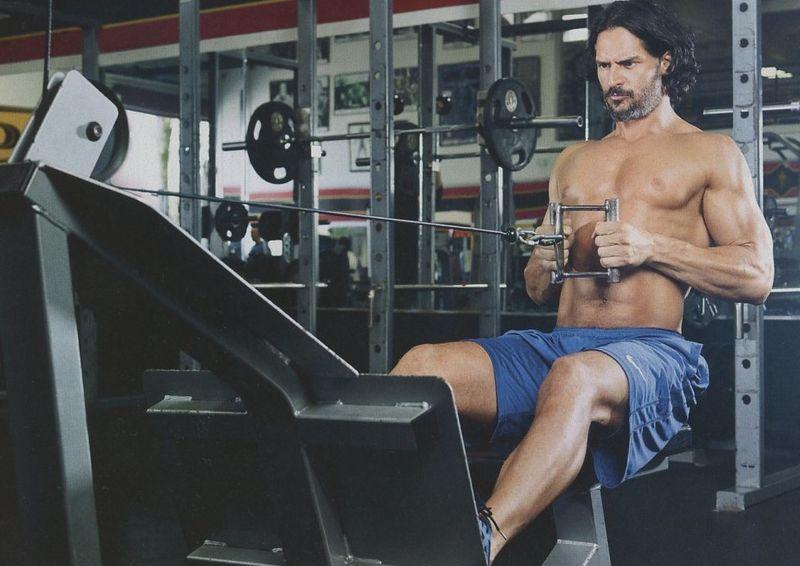 Joe-Manganiello-Muscle-Fitness-shirtless-3
