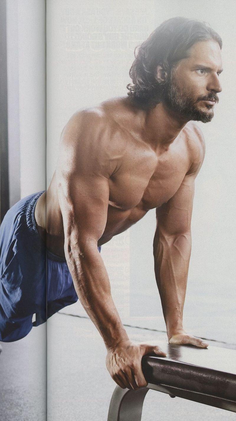 Joe-Manganiello-Muscle-Fitness-shirtless-5