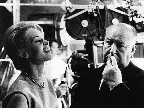 Alfred-hitchcock-and-tippi-hedren-classic-movies-4103705-505-380