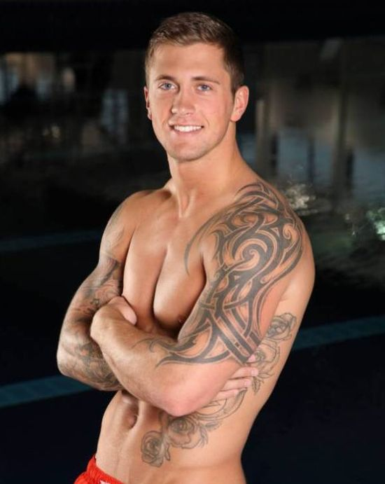 Dan-Osborne-shirtless
