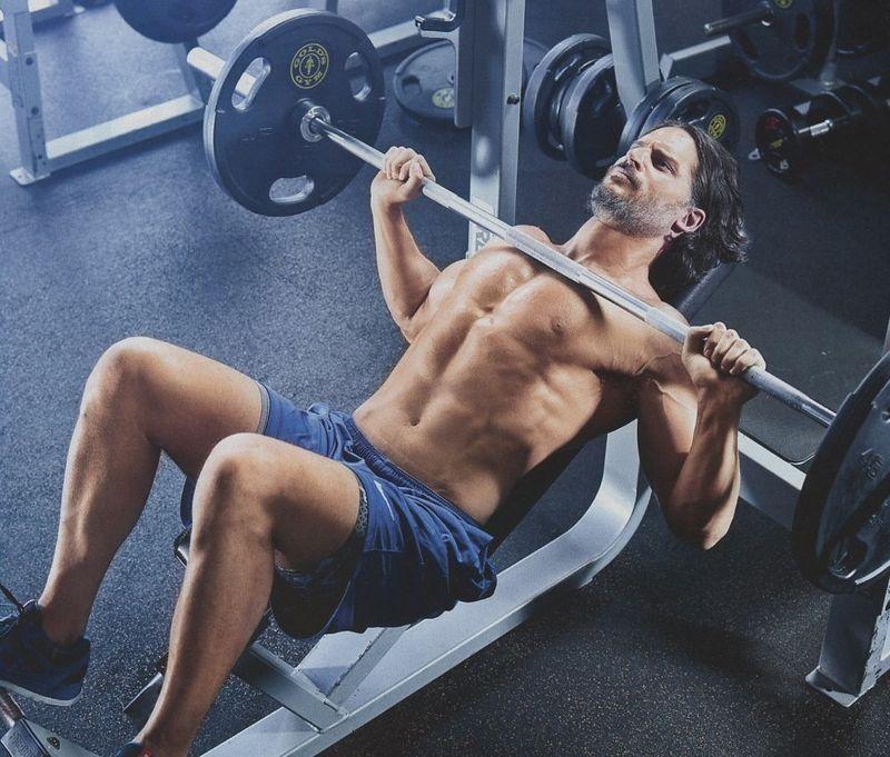 Joe-Manganiello-Muscle-Fitness-shirtless-7