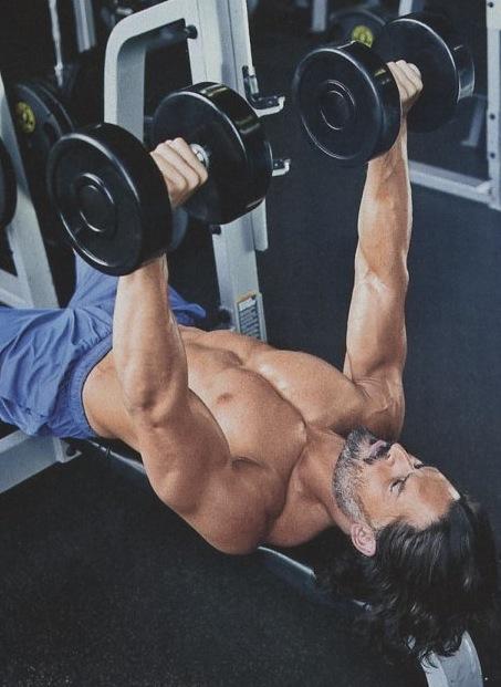 Joe-Manganiello-Muscle-Fitness-shirtless-12