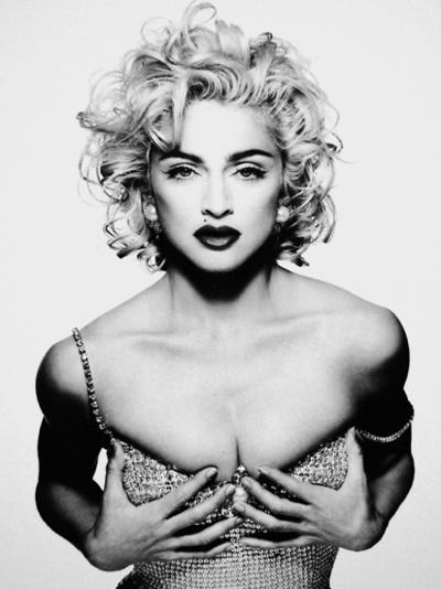 Madonna-Demarchelier-Glamour-1990