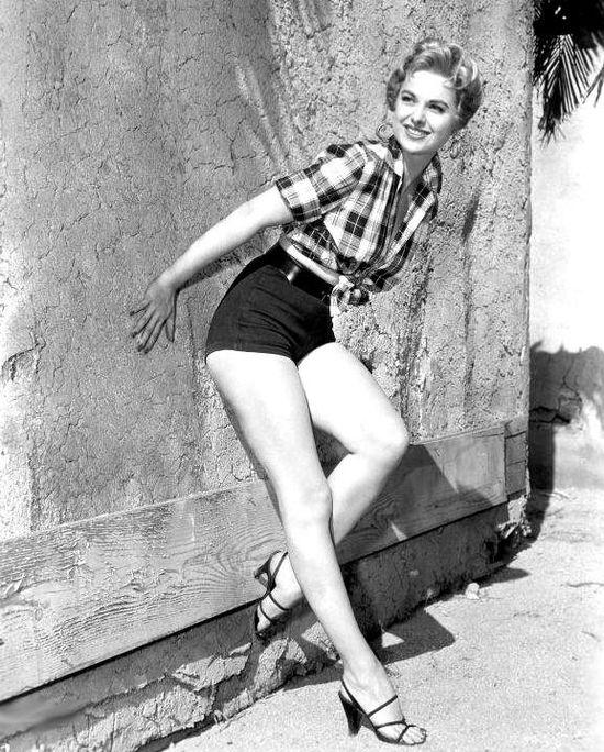 Martha-Hyer-Feet-104527