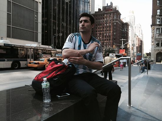 Handsome-guy-street-photography-NYC