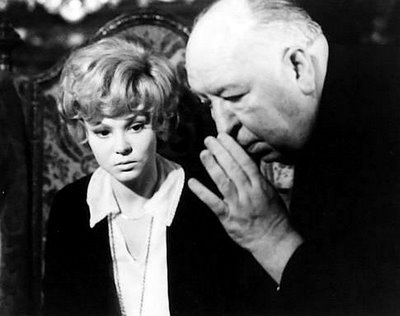 Alfred-hitchcock-and-barbara-harris-in-family-plot2