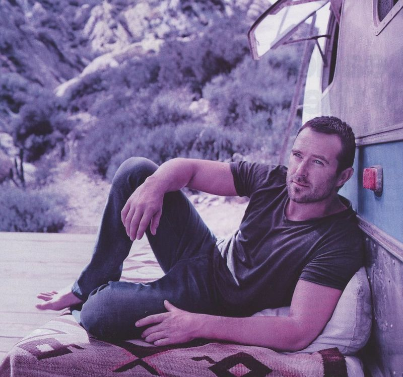 Sullivan-Stapleton-Mens-Health-2