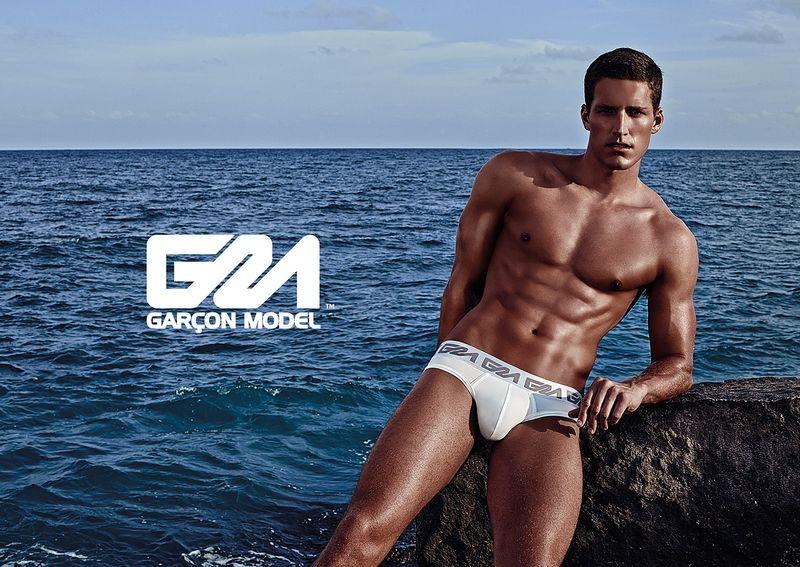 Garcon-Model_Underwear_Tyler_Kenyon_Collins-Brief