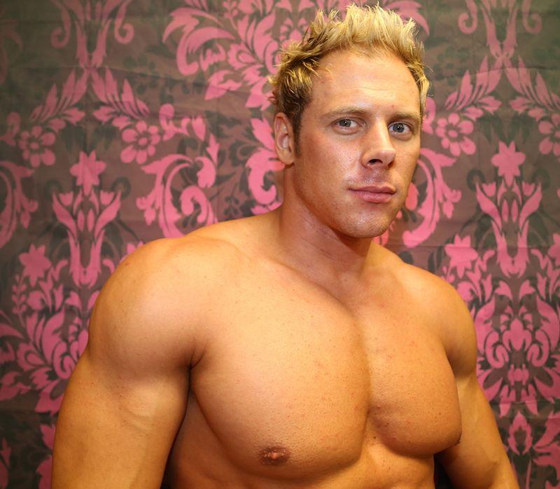 IMG_9016 stripper Tommy