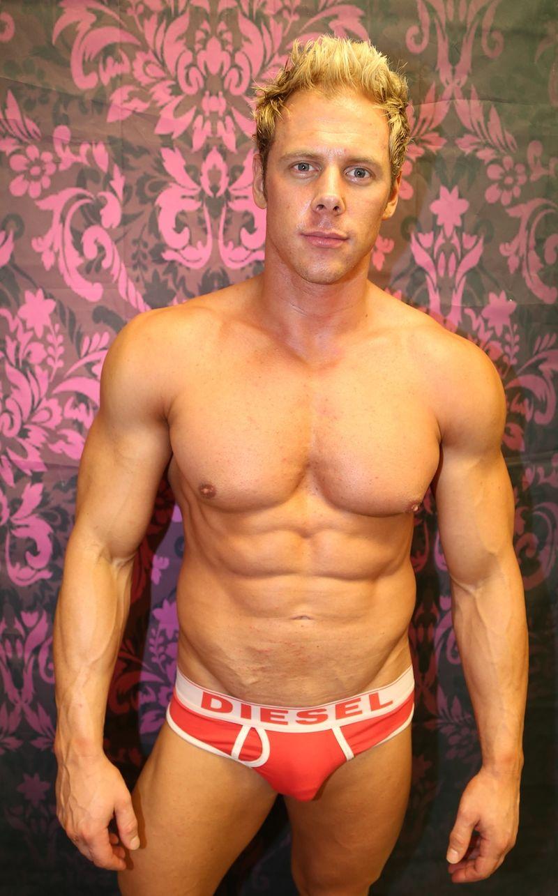 IMG_9007 stripper Tommy