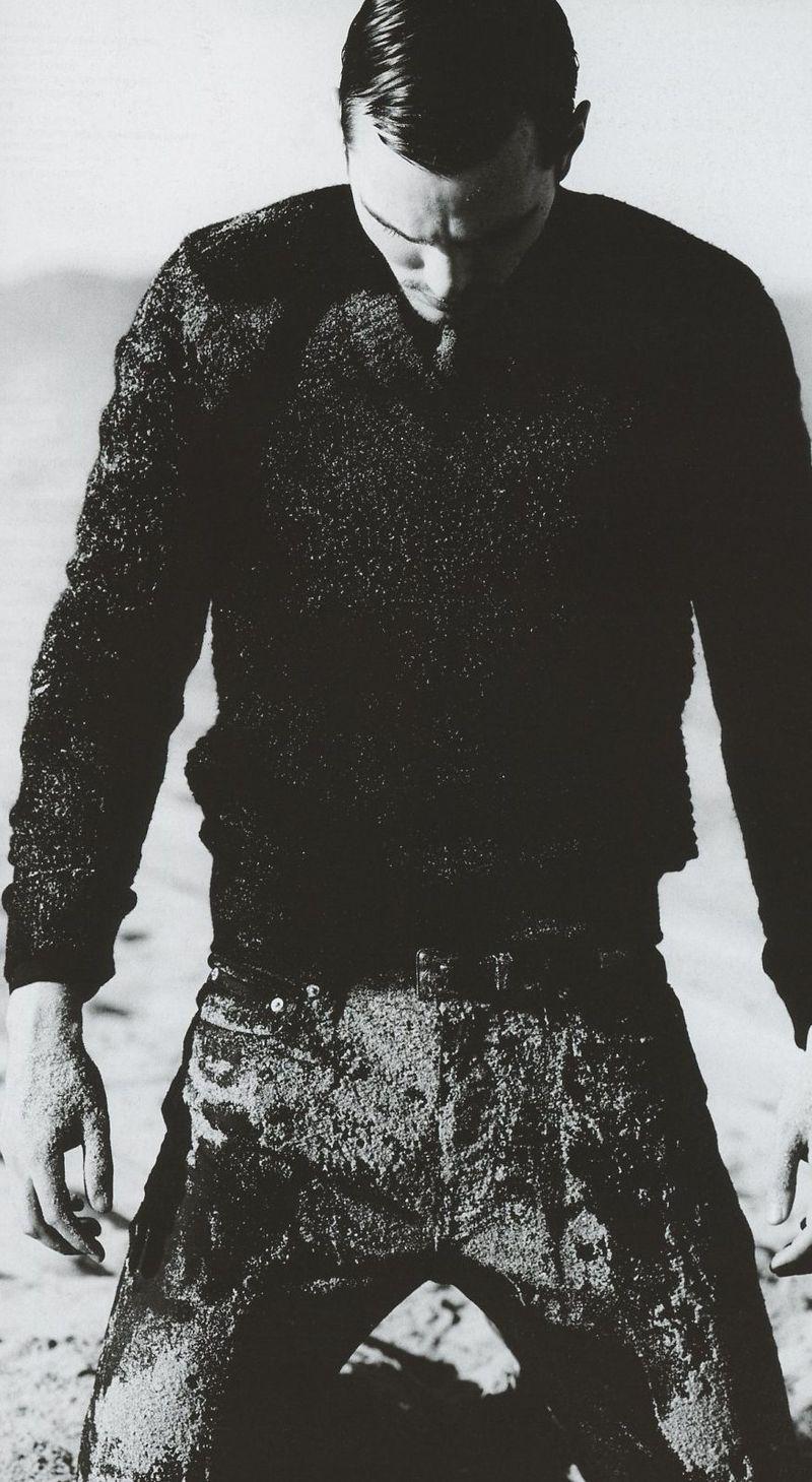 Nicholas-Hoult-8