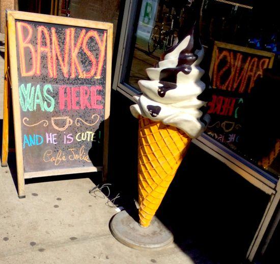 Sign-Banksy