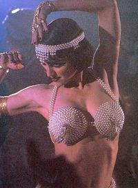 Madonna-Bloodhounds-of-Broadway