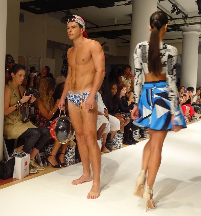 Super-hot-shirtless-model