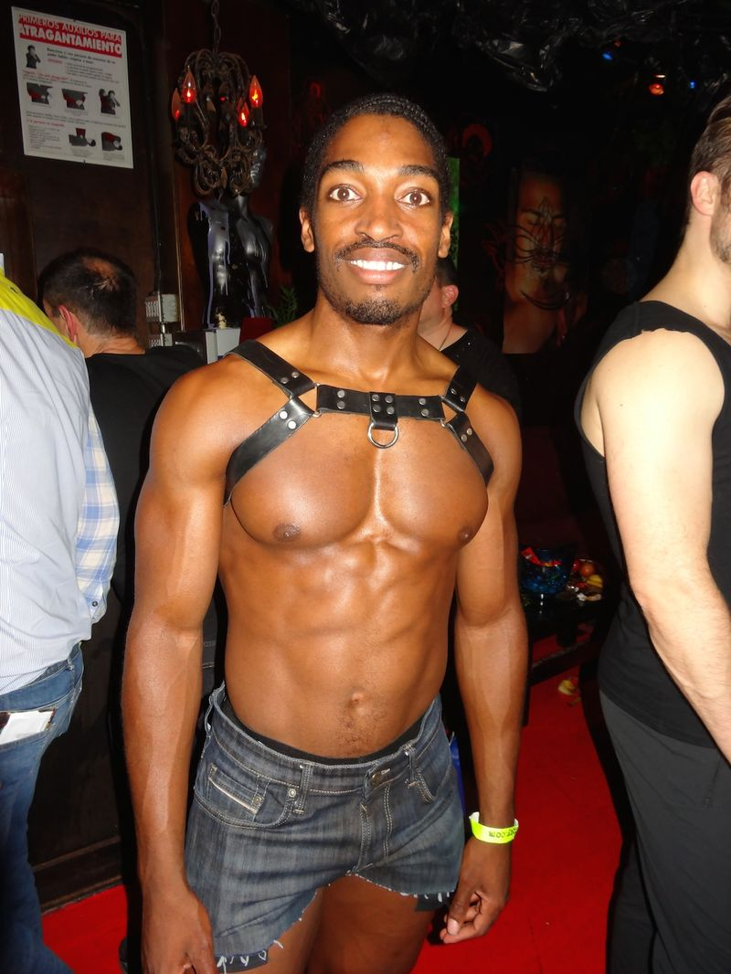 DSC07202-black-harness-Hustlaball