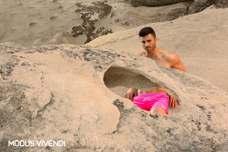 1.Lifestyle_Log-Swimwear-Collection-Neon-Line (6)