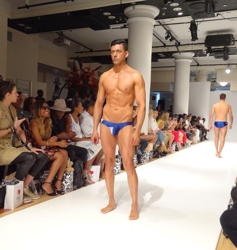 Shirtless-muscular-male-model