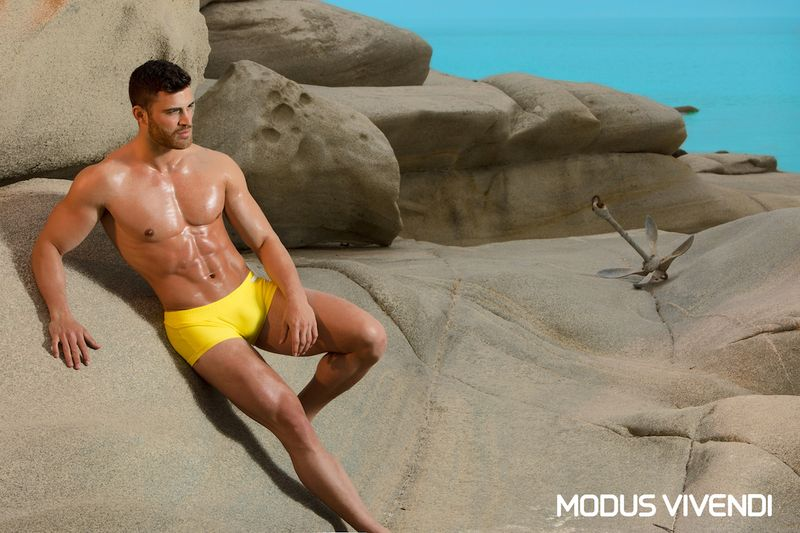 1.Lifestyle_Log-Swimwear-Collection-Neon-Line (4)