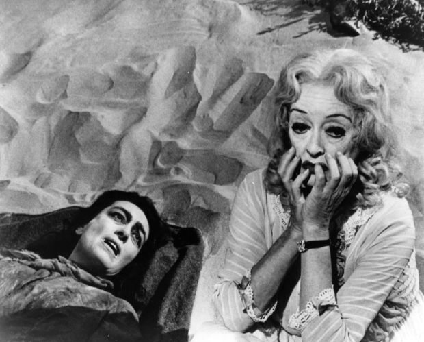 Scream-queens-bette-davis-and-joan-crawford-raw