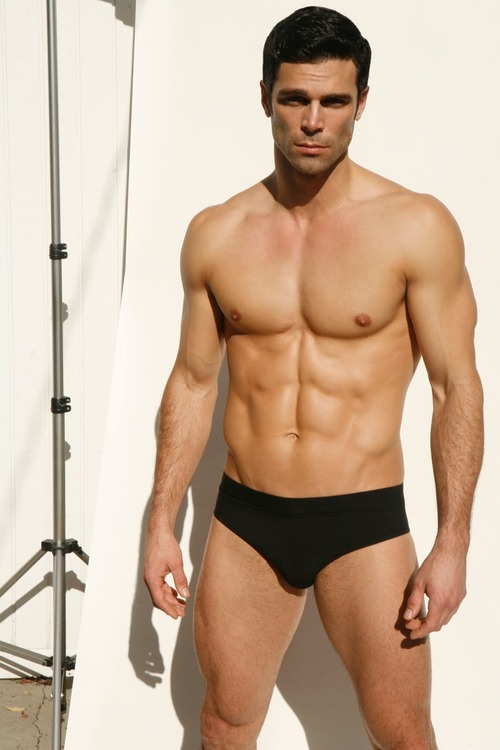 Hot muscles in briefs