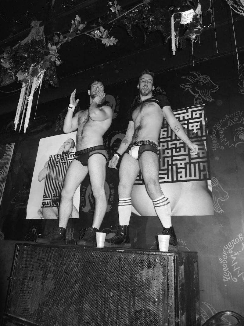 DSC07185-strippers-at-Hustlaball