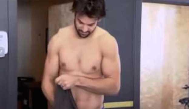 Shirtless-Eric-Decker