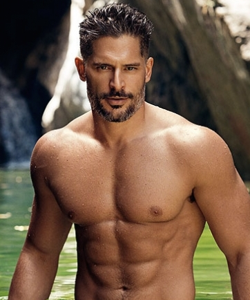 Joe-maganiello-shirtless-people-430x573
