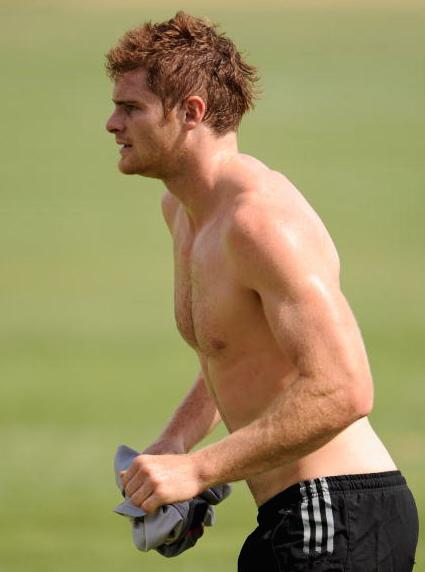 Heath-Shaw-shirtless