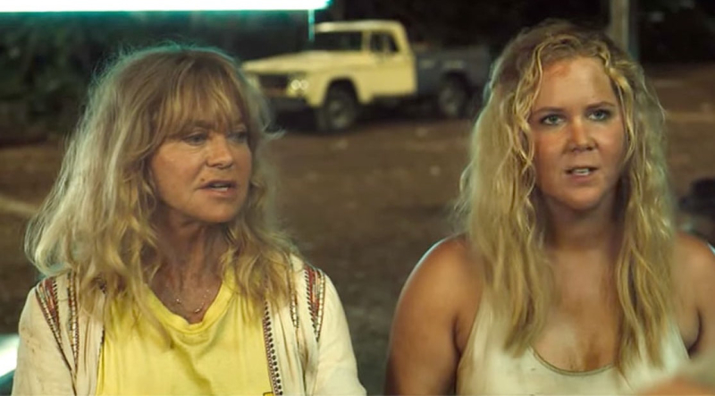 Amy-schumer-snatched-trailer-watch-3c4f2279-759d-4f04-8c44-f3aeae2f637e