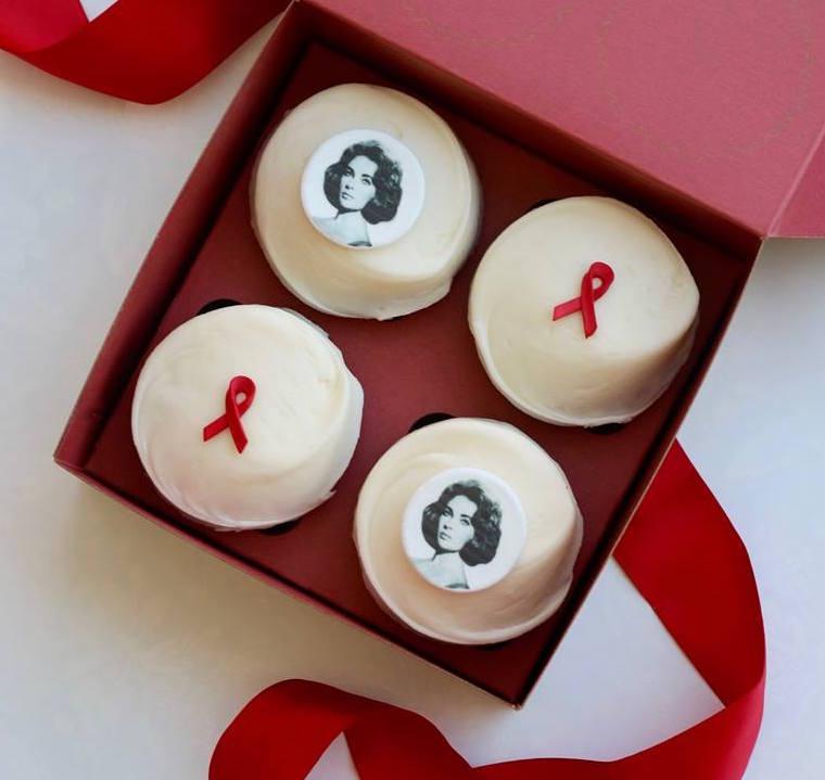 Elizabeth-Taylor-cupcake