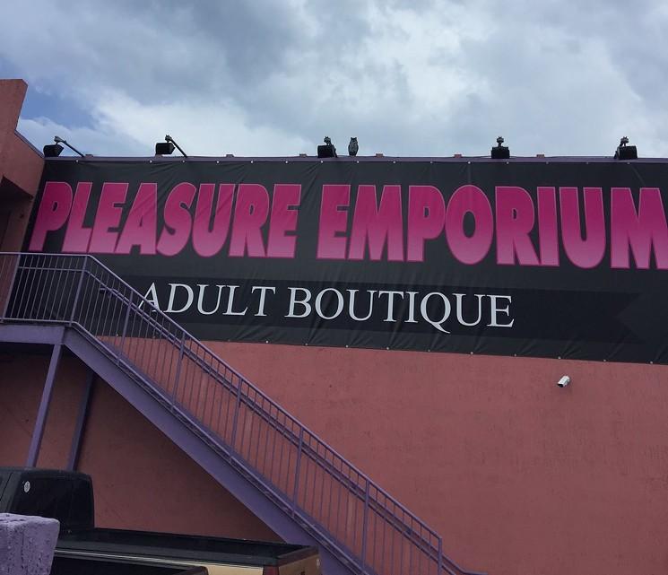 Hollywood-pleasure-emporium
