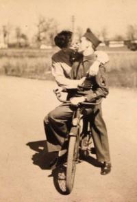 Vintage-gay-10-25-18-homo-history