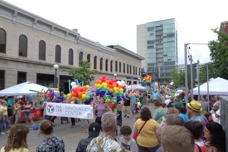 Iowa-city-pride-2019_48069727591_o