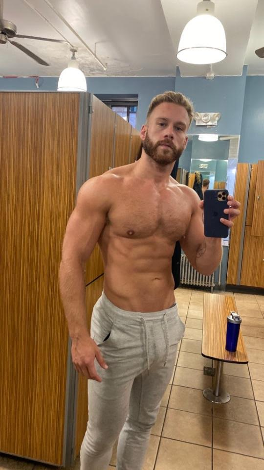 Brogan-shirtless-muscles-evolve-adonis-boyculture