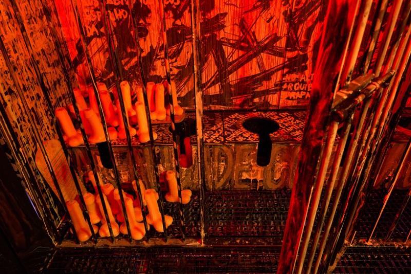 Gay-sex-club-maat-installation-joao-pedro-vale-nuno-alexandre-ferreira-designboom-9