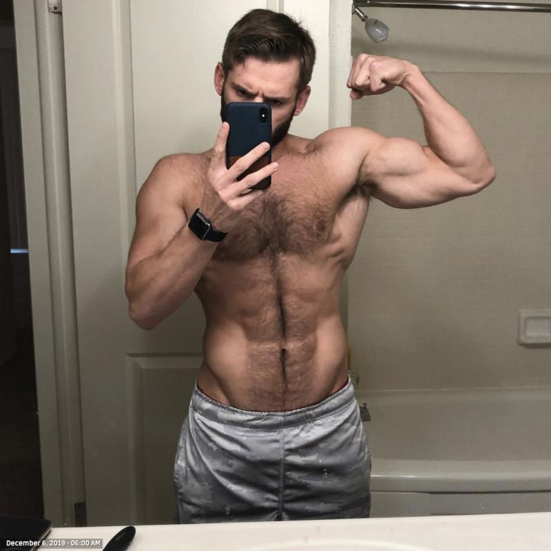 Shirtless-amateur-gay-men-2019-12-13-at-12.45.38-PM-1024x1024