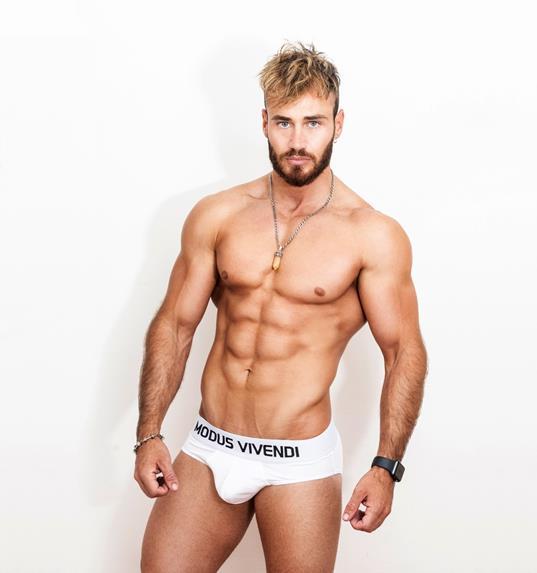 Gastohn-barrios-modus-vivendi-gay-underwear-darien-theller-boyculture