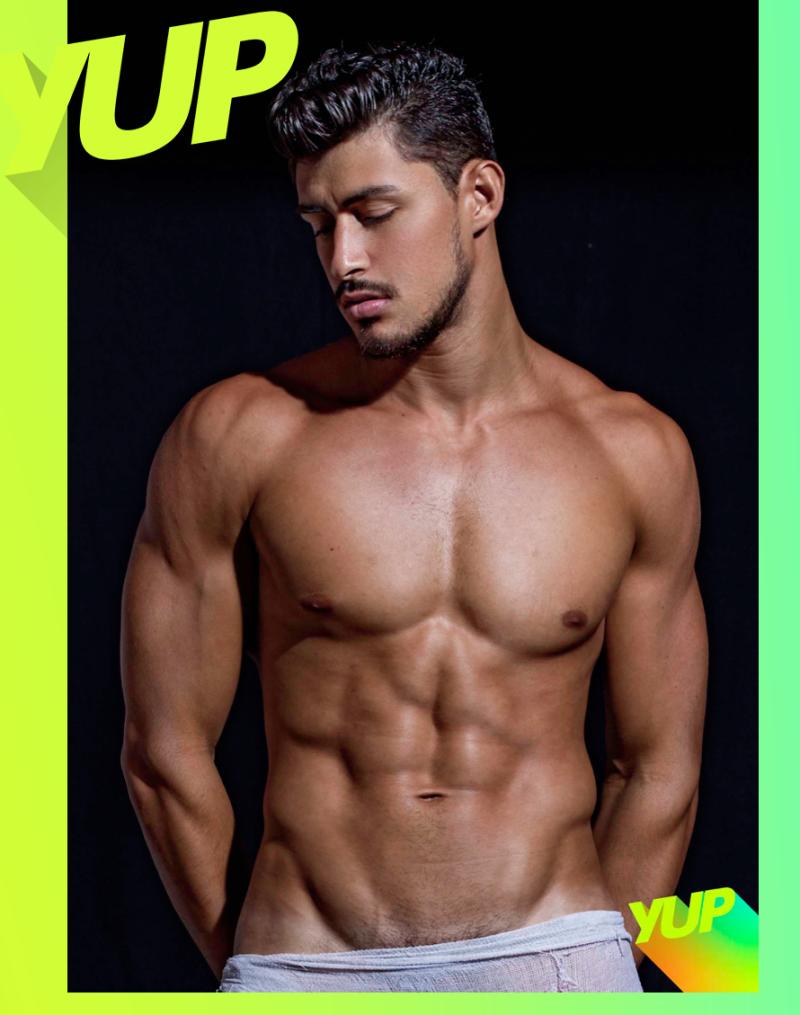 Robson-menezes-ronaldo-gutierrez-shirtless-abs-yup-gay-boyculture