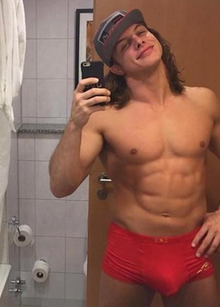 Matt-riddle-bulge-underwear-boyculture